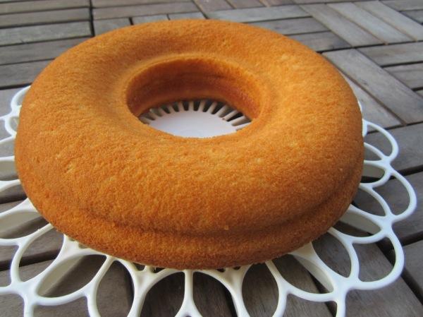 Frankfurter Kranz Crown Cake (11)