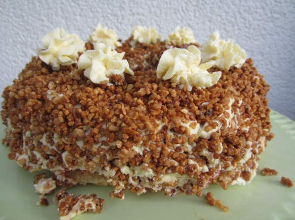 Frankfurter Kranz Crown Cake (5)