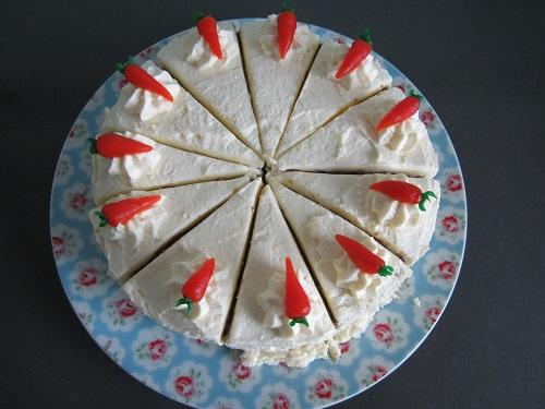 Karottenkuchen mit Zwieback und Frischkäsecreme (2)