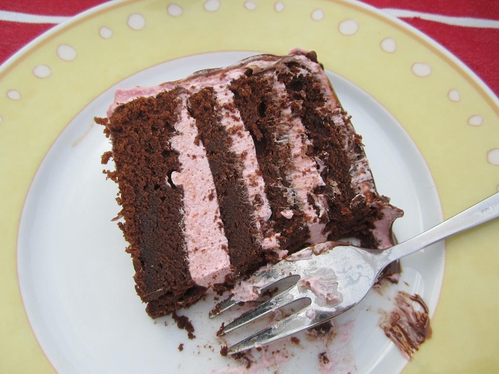 Dripping Raspberry Brownie Torte Mainbacken