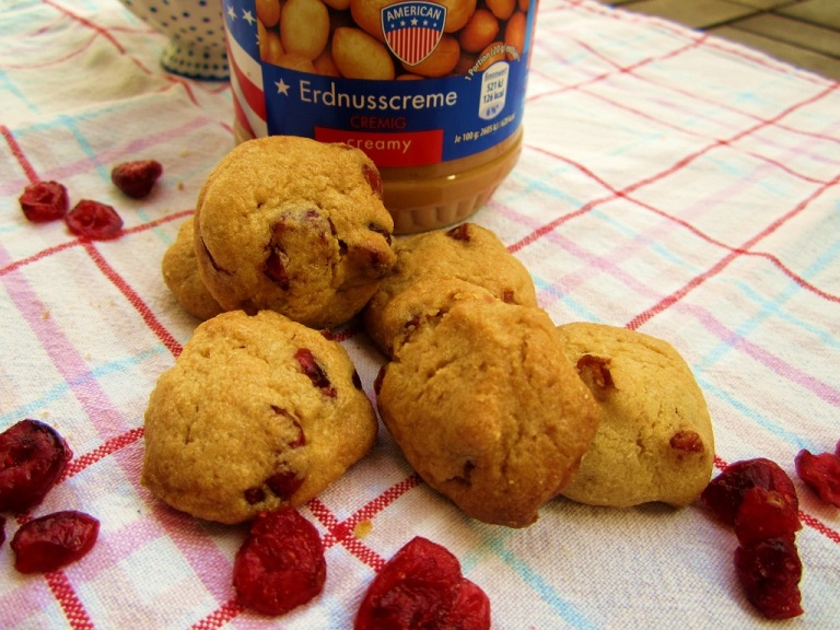 American Cookies Cranberry Peanut Mainbacken (1)