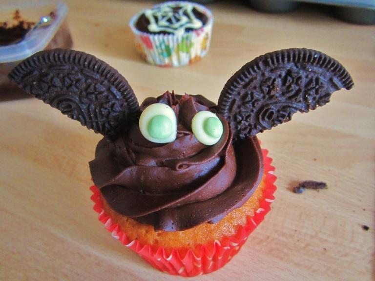 Cupcake Bat Fledermaus (7)
