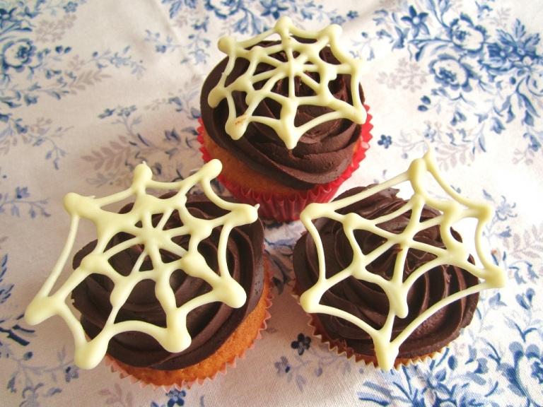 Cupcakes Halloween Spinnennetz (13)