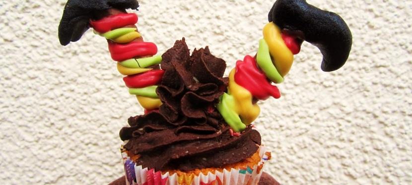 Kopfüber im Cupcake – Hexe(Halloween)