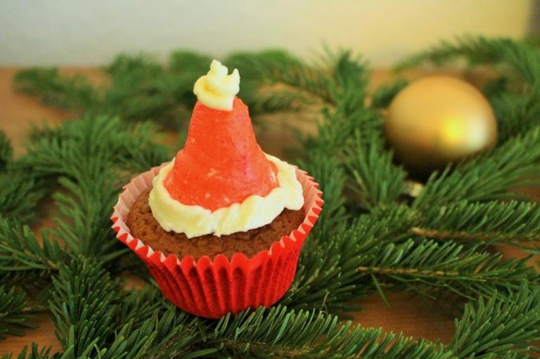 Christmas Cupcake Santa Hat (11)