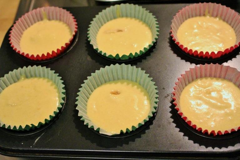Christmas Cupcake Santa Hat (2)