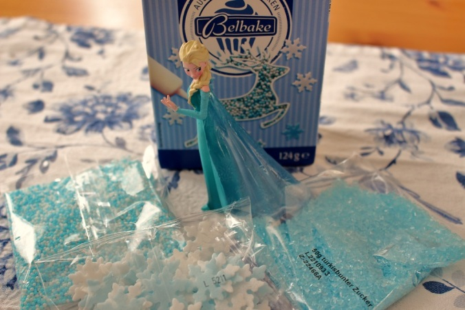 Frozen Cake Elsa (12)