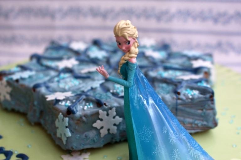 Frozen Cake Elsa (2)