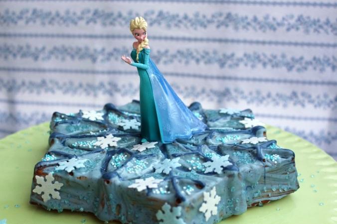 Frozen Cake Elsa (5)