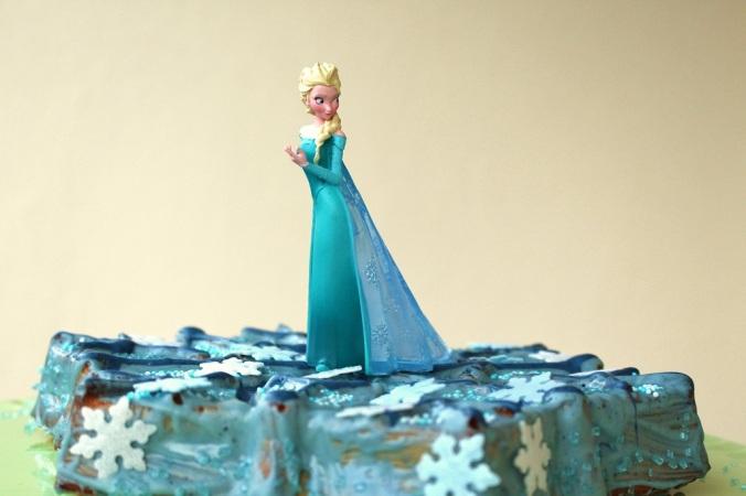 Frozen Cake Elsa (7)