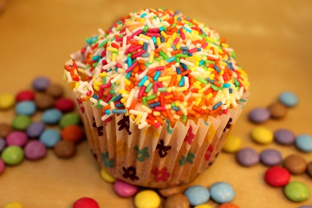 Funfetti Confetti Cupcake (7)