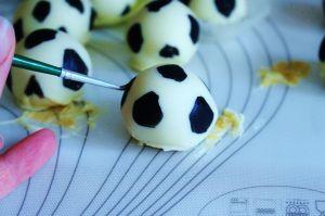 Fussball Cake Pops (7)