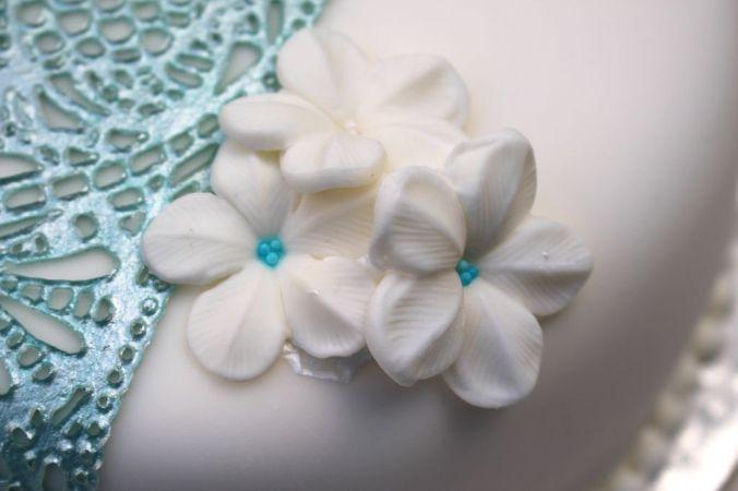 Die Blumen sind einfach selbst gemacht und lassen sich gut vorbereiten.