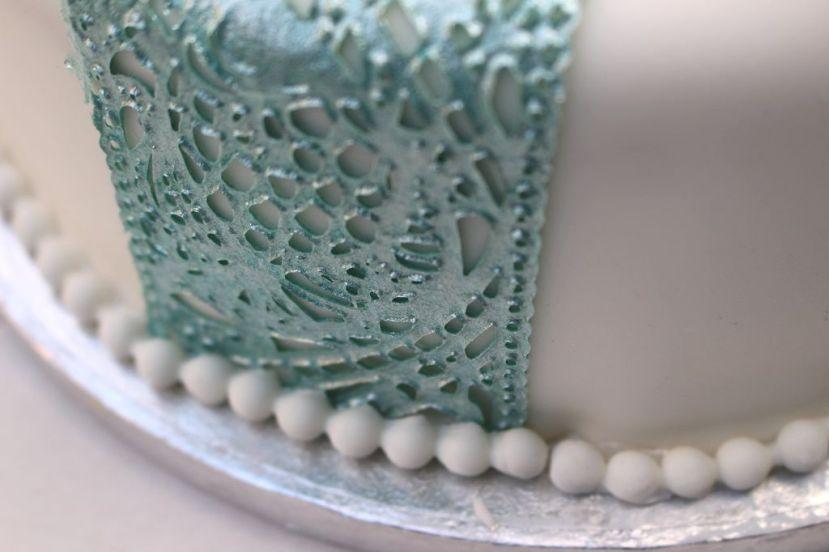 Edle Torte mit essbarerSpitze