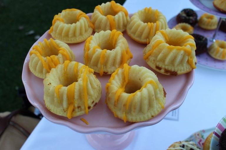 Mein ewiger Favorit: Sehr zitronige Zitronengugelhupfs mit Zitronen-Zuckerguss