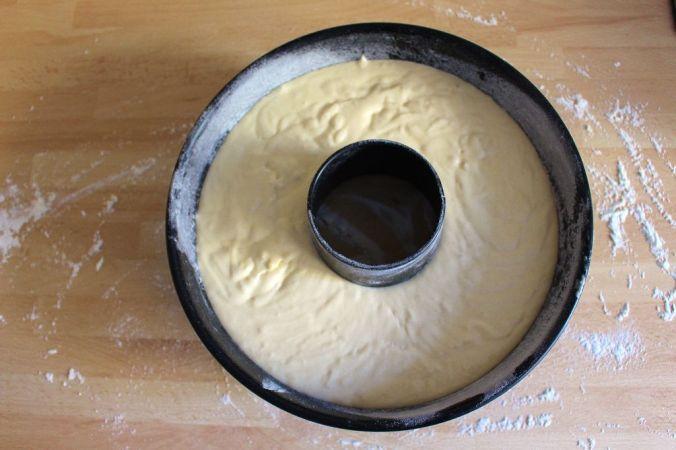 Schritt 1.) Die Form ist etwa zu 3/4 befüllt