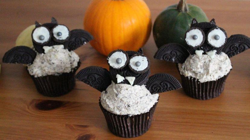Fledermaus Cupcake mitOreos