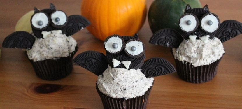 Fledermaus Cupcake mit Oreos