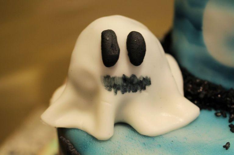 Super Reste-Verwertung: Cake Pop Geister!
