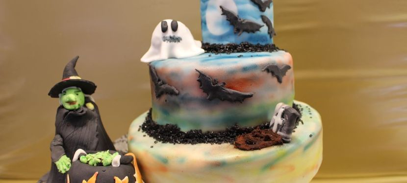 Halloween Torte mit Airbrush