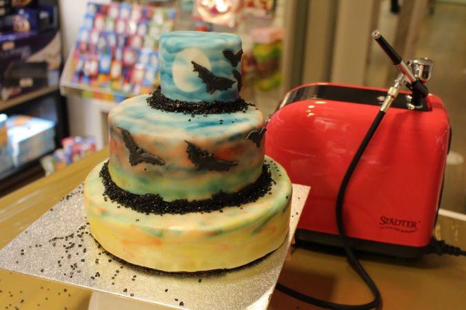 Auch ohne Figuren sieht die Torte schon richtig gut aus