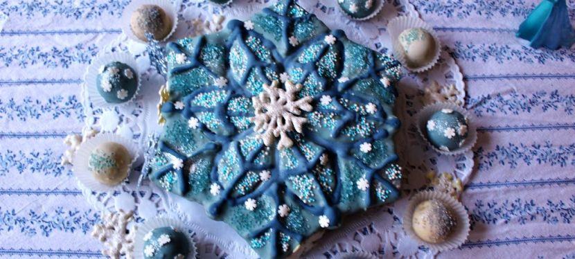 Frozen Schneeflocken-Kuchen