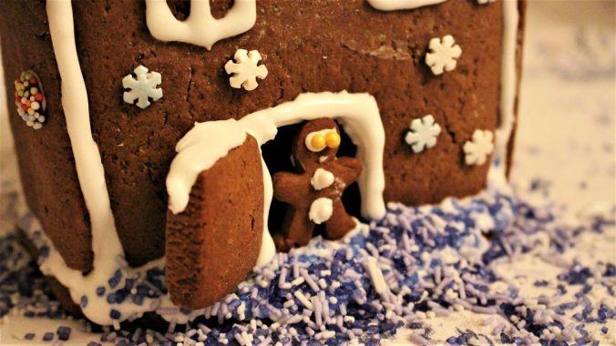 Sieht doch happy aus, der kleine Lebkuchenmann, oder? :-)