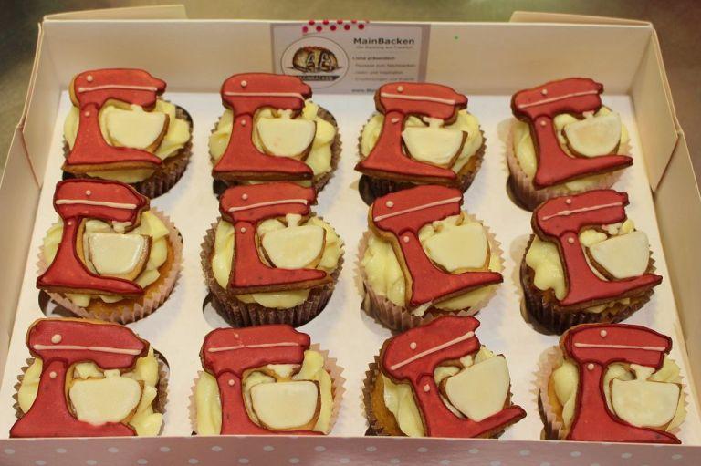 Wenn ihr sie nicht grade auf einen Cupcake legt, halten eure Kekse in luftdichter Verpackung gut zwei Wochen.