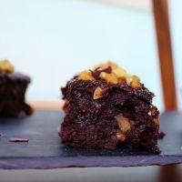 Brownies mit Trockenpflaumen (+Video)