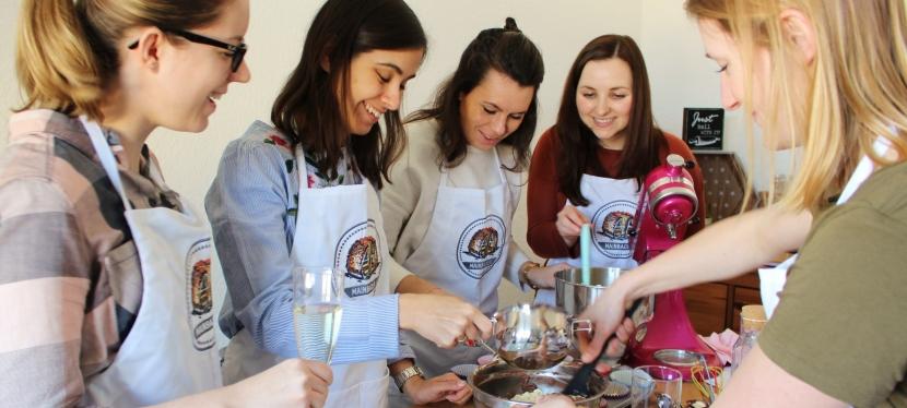 Cupcake Backkurs für Junggesellinnen Abschied (JGA) inFrankfurt