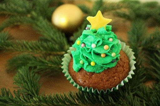 weihnachten cupcakes weihnachtsbaum 3 vorschau. Black Bedroom Furniture Sets. Home Design Ideas